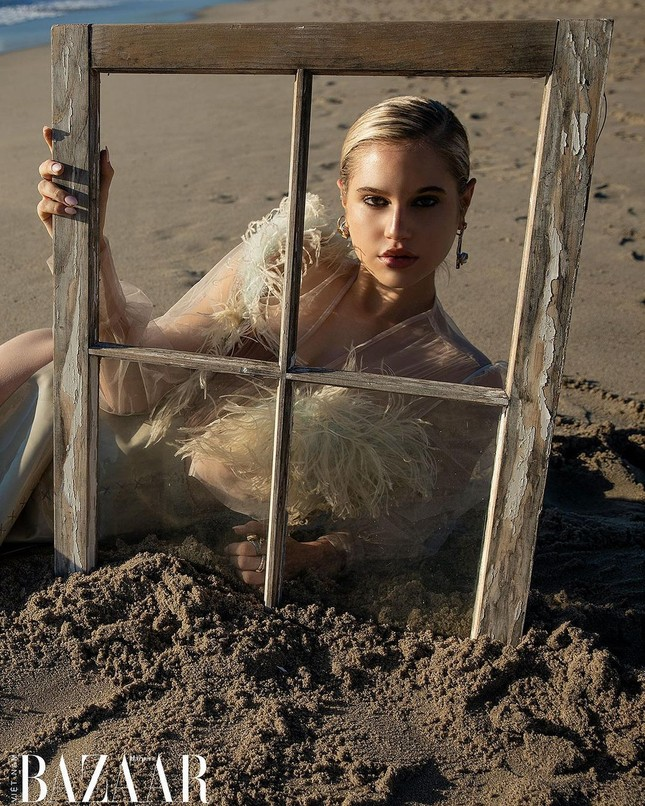 Vẻ đẹp bốc lửa của nàng mẫu Mỹ giống hệt bạn gái 'Người vận chuyển' ảnh 12