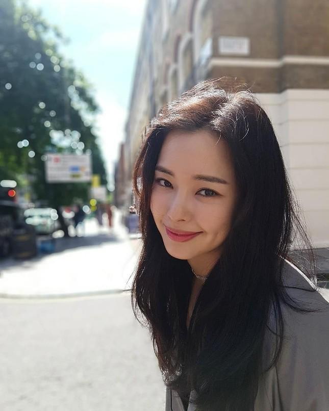 Hoa hậu đẹp nhất Hàn Quốc Honey Lee U40 vẫn độc thân quyến rũ ảnh 14