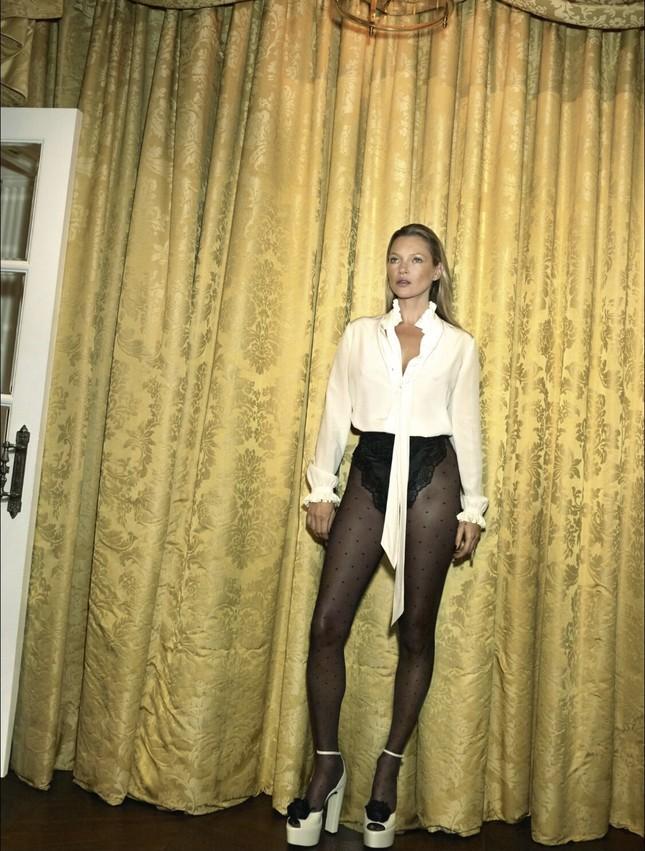 Kate Moss U50 gợi cảm đầy sức sống ảnh 4