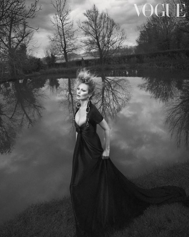 Kate Moss U50 gợi cảm đầy sức sống ảnh 1