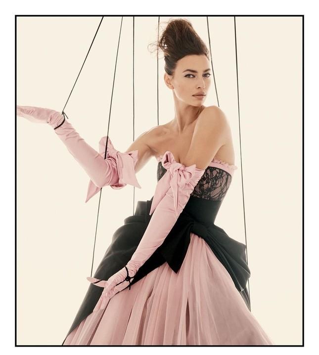 Siêu mẫu Nga Irina Shayk khoe chân dài miên man ảnh 2