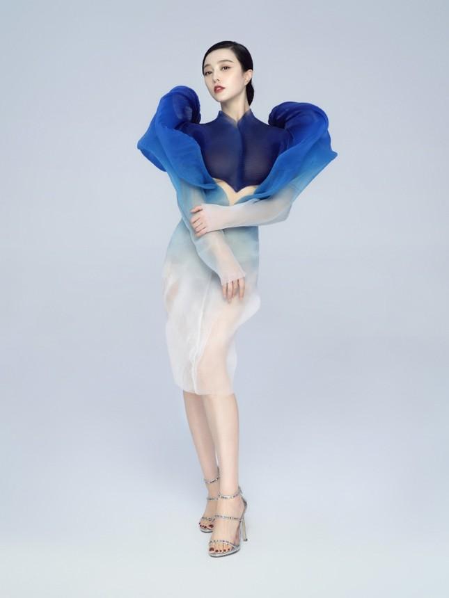 Phạm Băng Băng quyến rũ như nữ thần với váy siêu thực xuyên thấu ảnh 4