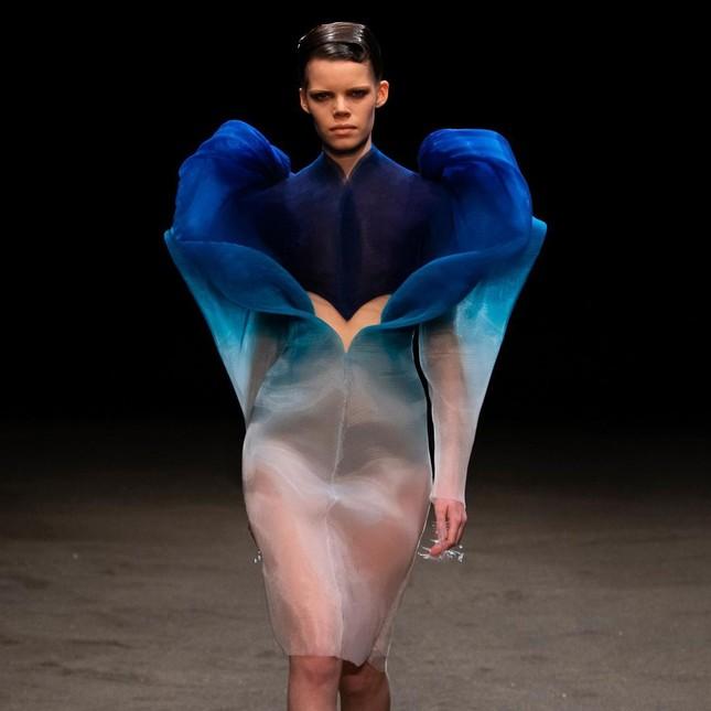Phạm Băng Băng quyến rũ như nữ thần với váy siêu thực xuyên thấu ảnh 5