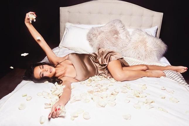 Kim Kardashian 40 tuổi vẫn quyến rũ làm say lòng phái mạnh ảnh 7