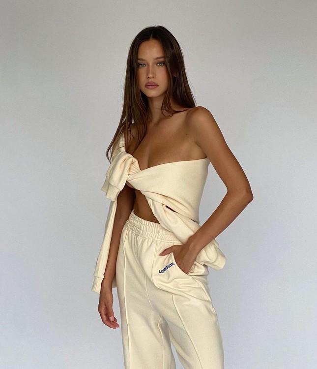 Nhan sắc ngọt ngào, thân hình tuyệt mỹ của nàng mẫu đôi mươi Isabelle Mathers ảnh 16