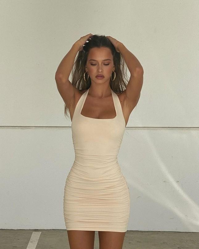 Nhan sắc ngọt ngào, thân hình tuyệt mỹ của nàng mẫu đôi mươi Isabelle Mathers ảnh 12