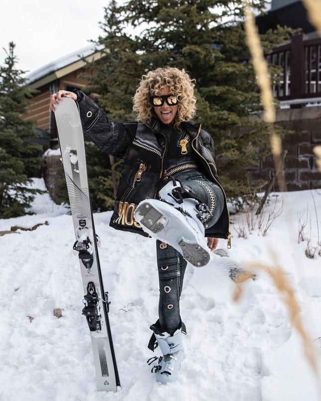 Người mẫu nóng bỏng Jasmine Sanders mặc bikini trượt tuyết ảnh 2