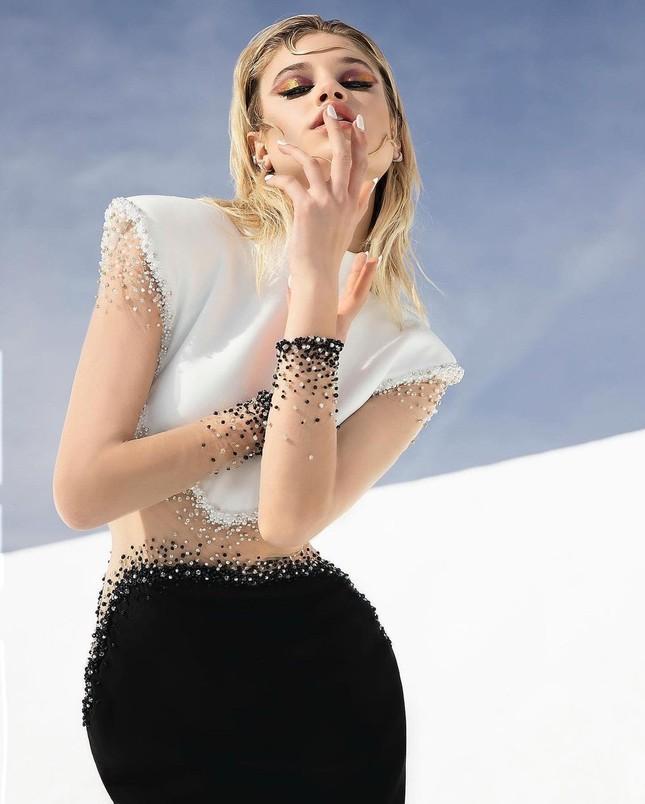 Những bức hình gợi cảm táo bạo của người mẫu Mỹ Meredith Mickelson ảnh 4