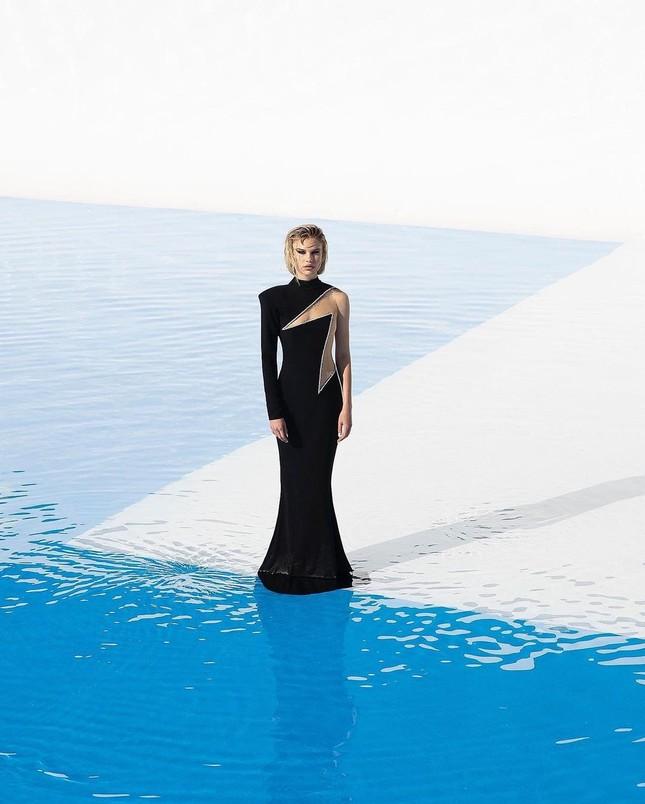 Những bức hình gợi cảm táo bạo của người mẫu Mỹ Meredith Mickelson ảnh 7