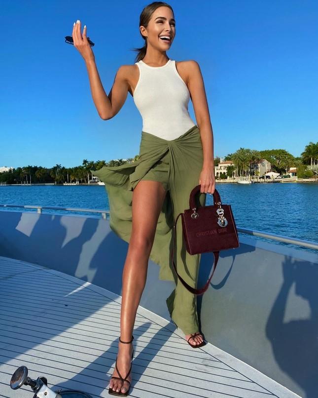 Hoa hậu Hoàn vũ Olivia Culpo quyến rũ rạng ngời ở Miami ảnh 4