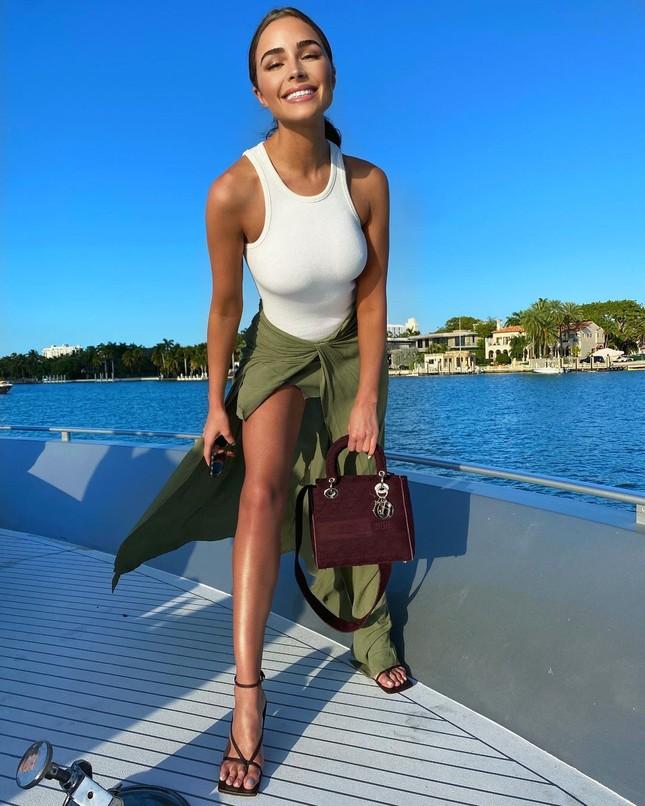 Hoa hậu Hoàn vũ Olivia Culpo quyến rũ rạng ngời ở Miami ảnh 5