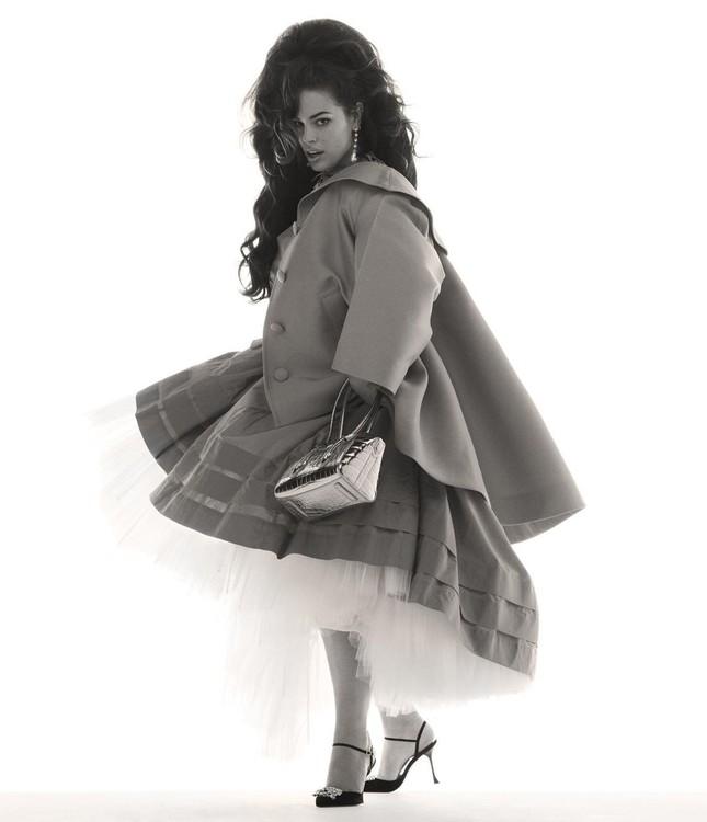 Người mẫu béo Ashley Graham tự tin với đường cong ngoại cỡ ảnh 7