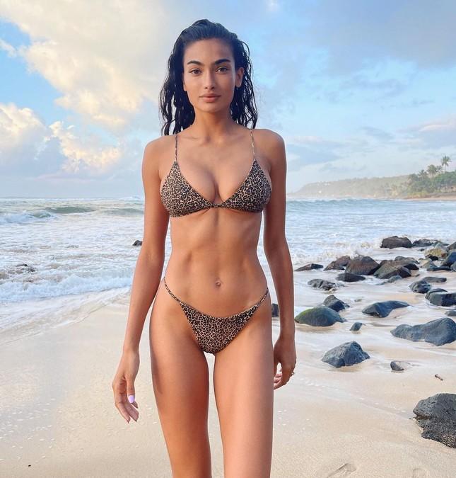 Mỹ nhân lai Kelly Gale thả dáng nuột nà với bikini ảnh 5