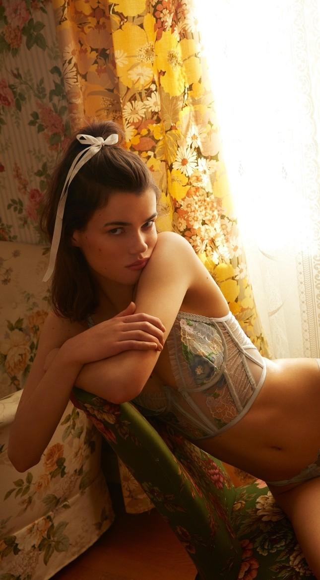 'Chân dài' sinh năm 2000 làm mẫu nội y Victoria's Secret ảnh 9