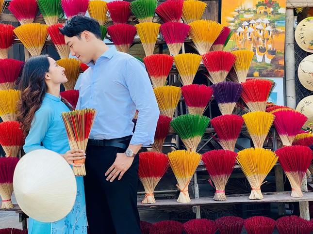 Cô gái Việt dẫn bạn trai Hàn ngắm cảnh đẹp nao lòng ở Huế ảnh 10