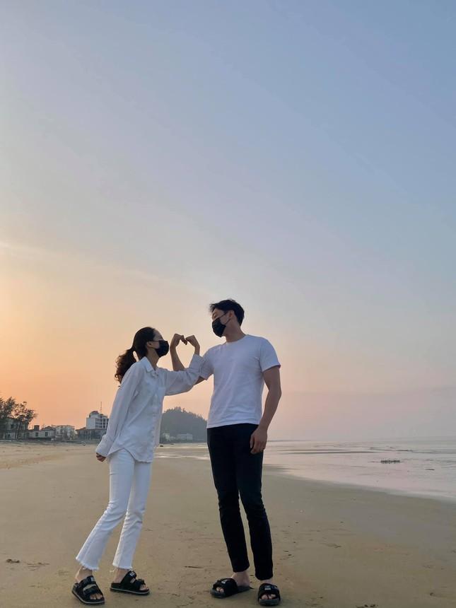 Cô gái Việt dẫn bạn trai Hàn ngắm cảnh đẹp nao lòng ở Huế ảnh 13