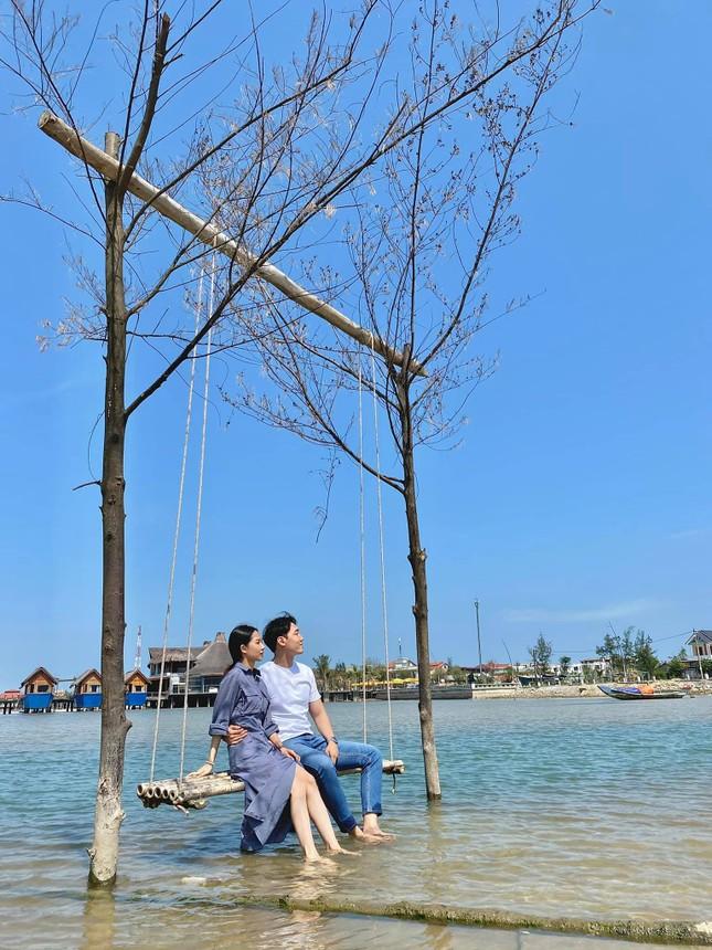 Cô gái Việt dẫn bạn trai Hàn ngắm cảnh đẹp nao lòng ở Huế ảnh 11