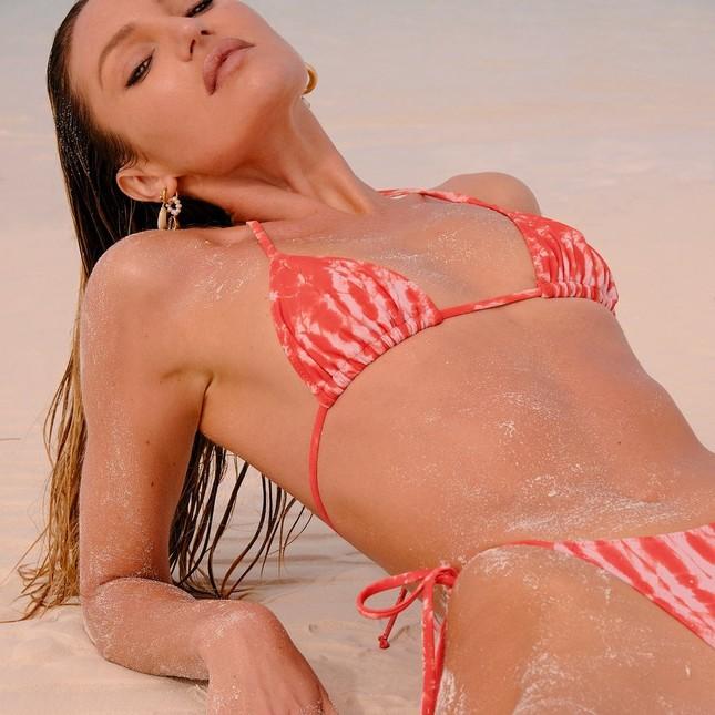 Sắc vóc rực lửa của mỹ nhân độc thân quyến rũ Candice Swanepoel ảnh 3