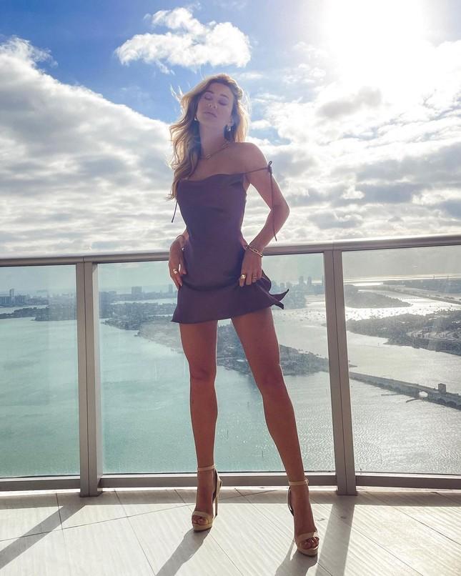 Đường cong quyến rũ mê mẩn của người mẫu áo tắm Cindy Prado ảnh 12