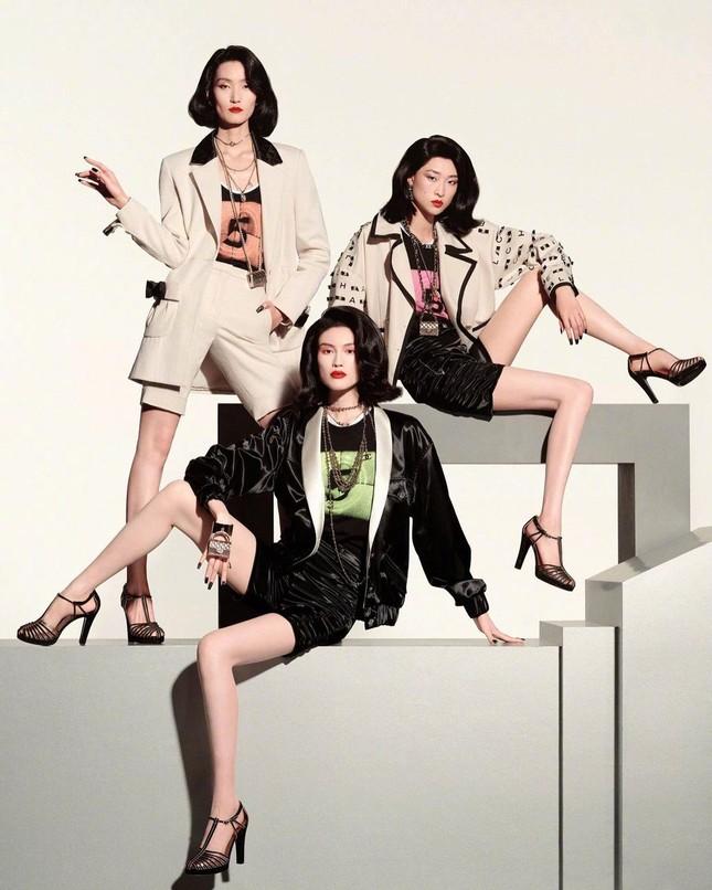 Người mẫu nội y gốc Hoa da trắng eo thon dáng nuột nà ảnh 10