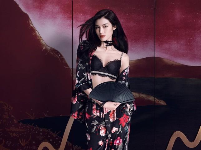Người mẫu nội y gốc Hoa da trắng eo thon dáng nuột nà ảnh 5