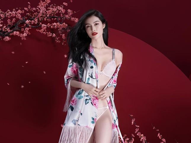 Người mẫu nội y gốc Hoa da trắng eo thon dáng nuột nà ảnh 4