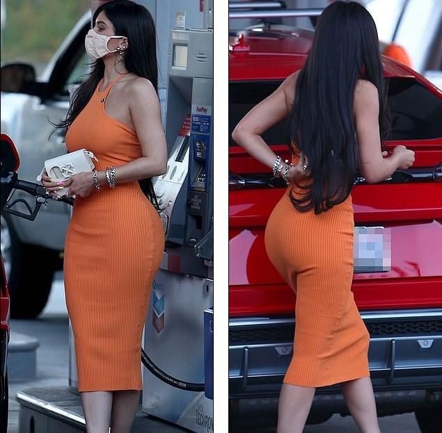 Em út nhà Kardashian mặc bó sát tôn dáng 'đồng hồ cát' gợi cảm ảnh 6