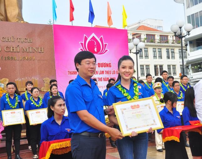 Hoa khôi Huỳnh Thúy Vi: Đoàn là chân lý sống của tôi ảnh 3