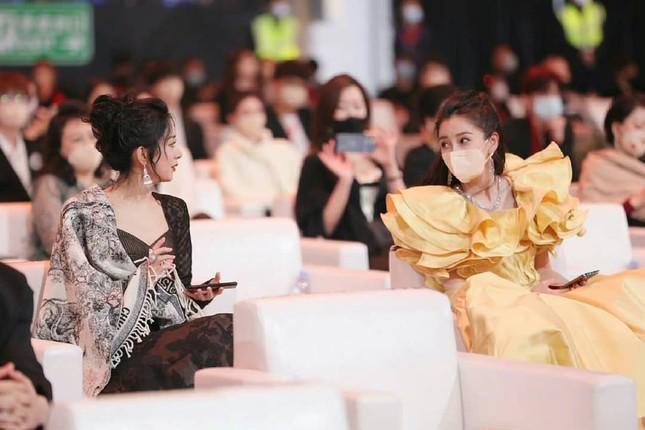 Angelababy phớt lờ Huỳnh Hiểu Minh, vợ chồng như hai người xa lạ ảnh 3