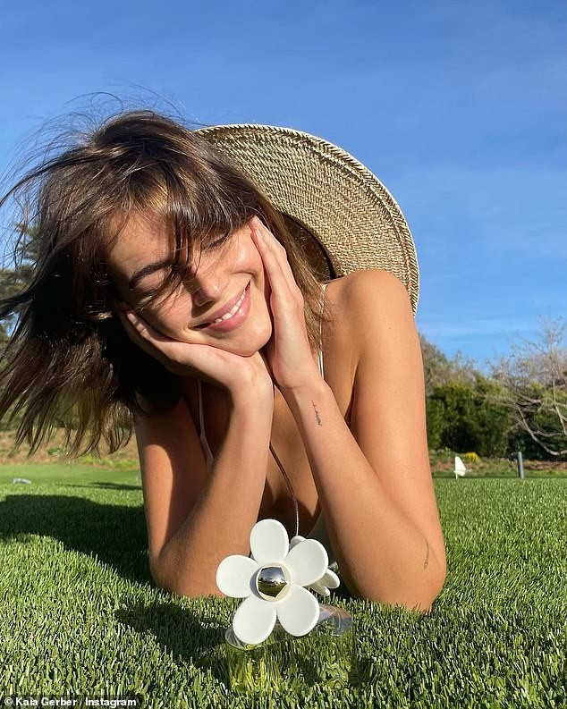 Con gái 10X của siêu mẫu huyền thoại Cindy Crawford xinh tựa nàng thơ ảnh 2