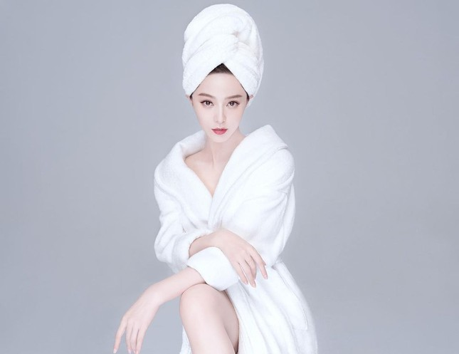 Phạm Băng Băng từ tạo hình mỹ nhân đến tóc rối lạnh lùng quyến rũ ảnh 5