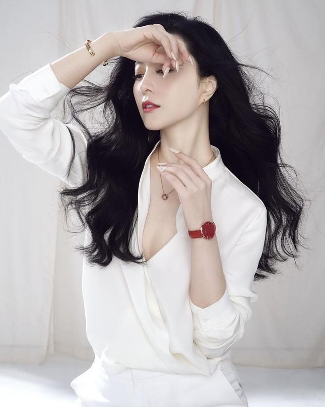 Phạm Băng Băng từ tạo hình mỹ nhân đến tóc rối lạnh lùng quyến rũ ảnh 19