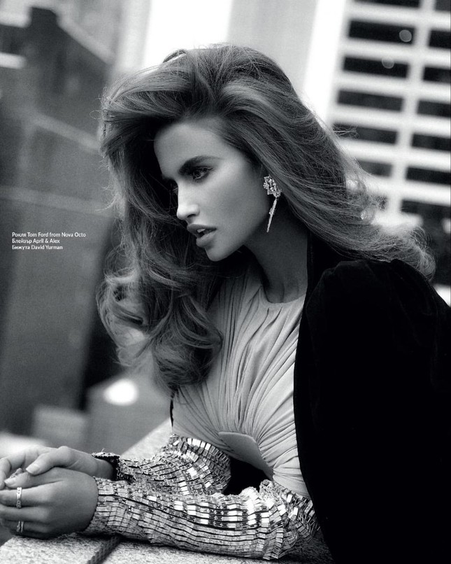 Người đẹp 9x hóa thân thành siêu mẫu huyền thoại Cindy Crawford ảnh 9