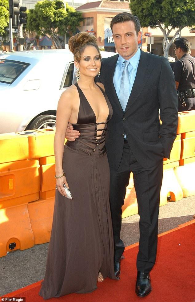 Jennifer Lopez trẻ đẹp quyến rũ 'vạn người mê' ở tuổi 51 ảnh 20
