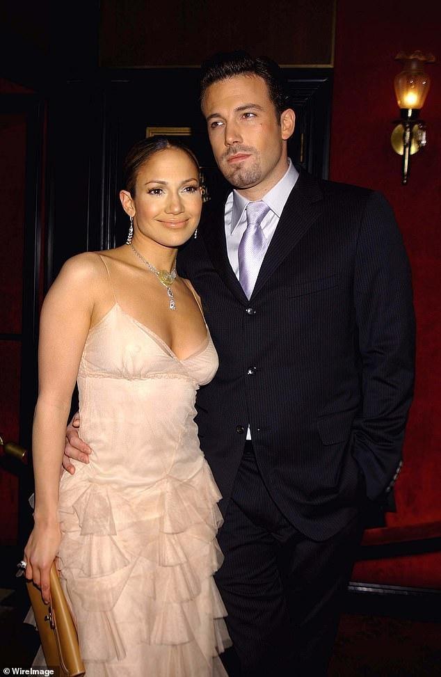 Jennifer Lopez trẻ đẹp quyến rũ 'vạn người mê' ở tuổi 51 ảnh 19