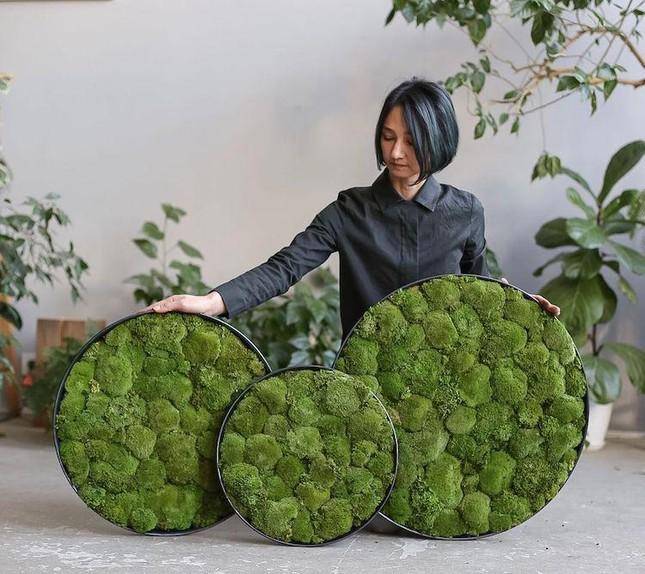 Nữ nghệ sĩ làm tranh tường độc đáo từ cây cỏ thiên nhiên ảnh 6