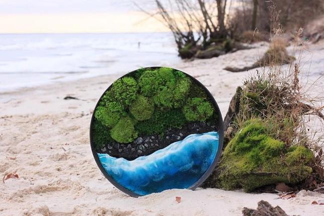 Nữ nghệ sĩ làm tranh tường độc đáo từ cây cỏ thiên nhiên ảnh 5