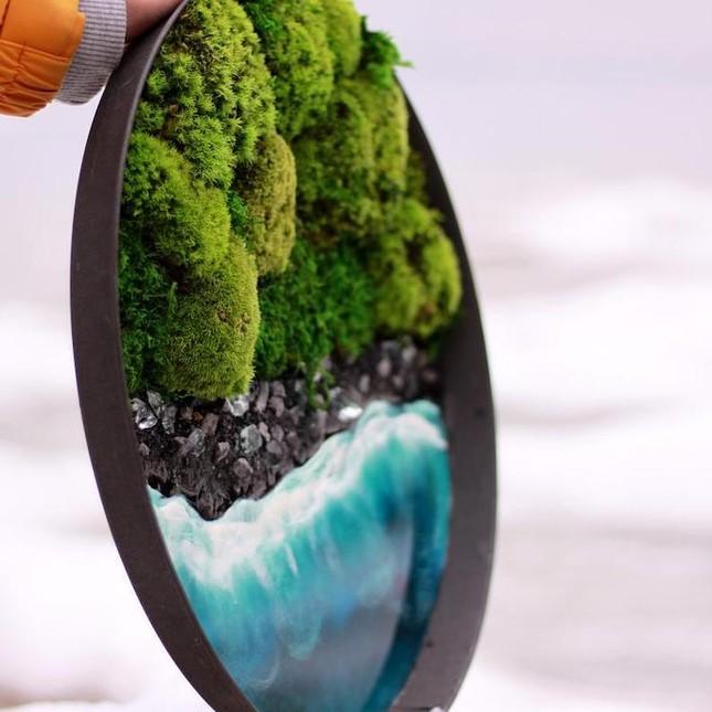 Nữ nghệ sĩ làm tranh tường độc đáo từ cây cỏ thiên nhiên ảnh 3
