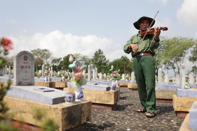 Hành trình xuyên Việt xúc động của chàng thanh niên 9x cùng 'bạn của ông nội' ảnh 12