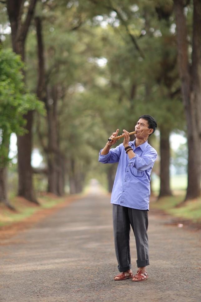 Hành trình xuyên Việt xúc động của chàng thanh niên 9x cùng 'bạn của ông nội' ảnh 8