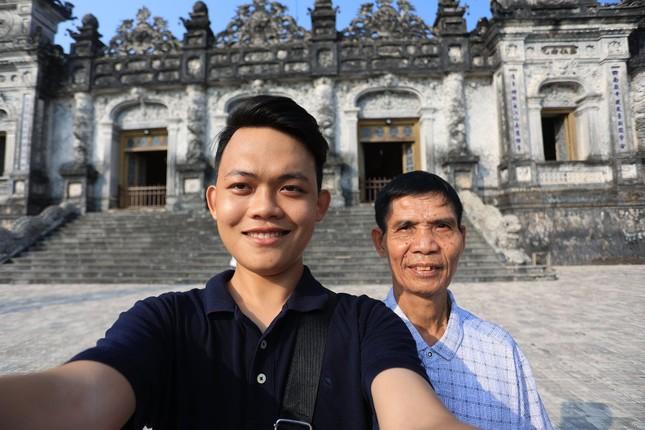 Hành trình xuyên Việt xúc động của chàng thanh niên 9x cùng 'bạn của ông nội' ảnh 6