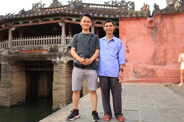 Hành trình xuyên Việt xúc động của chàng thanh niên 9x cùng 'bạn của ông nội' ảnh 4