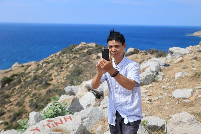 Hành trình xuyên Việt xúc động của chàng thanh niên 9x cùng 'bạn của ông nội' ảnh 7