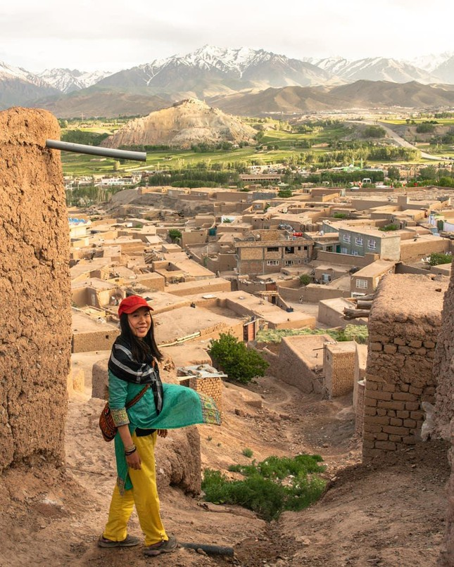 Du lịch một mình từ 18 tuổi, cô gái 'phượt' tới hơn 40 nước và tìm được ý nghĩa cuộc đời ảnh 1