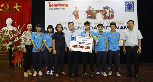 Giao lưu trực tuyến với những 'cô gái vàng' bóng đá Việt ảnh 4