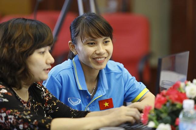 Giao lưu trực tuyến với những 'cô gái vàng' bóng đá Việt ảnh 9