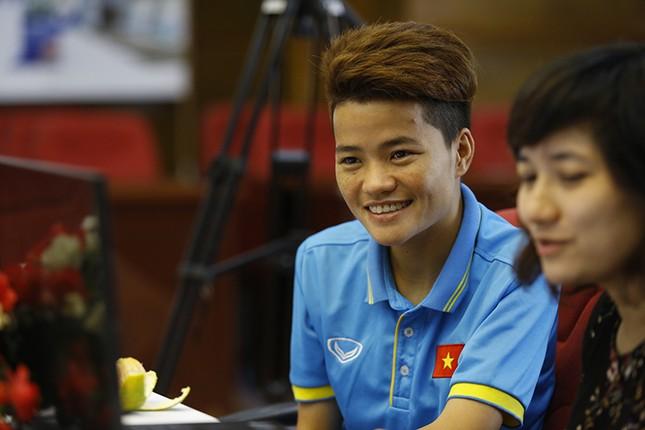Giao lưu trực tuyến với những 'cô gái vàng' bóng đá Việt ảnh 10