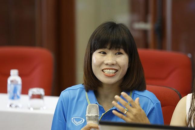 Giao lưu trực tuyến với những 'cô gái vàng' bóng đá Việt ảnh 12