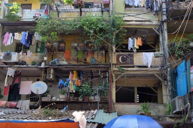 Thót tim với những căn nhà ở Thủ đô oằn mình chờ sập ảnh 10