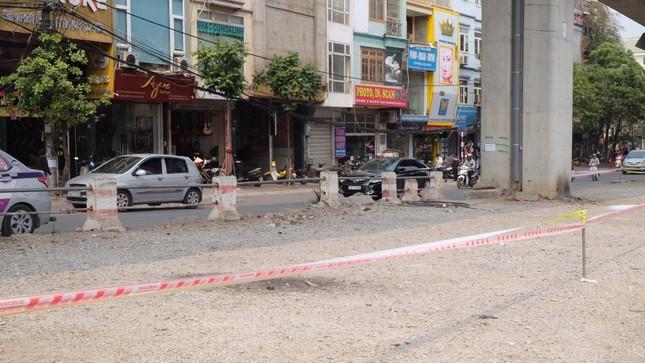 """Dẹp bãi trông xe """"dù"""", mở rộng thành đường giao thông trên phố Hào Nam ảnh 1"""